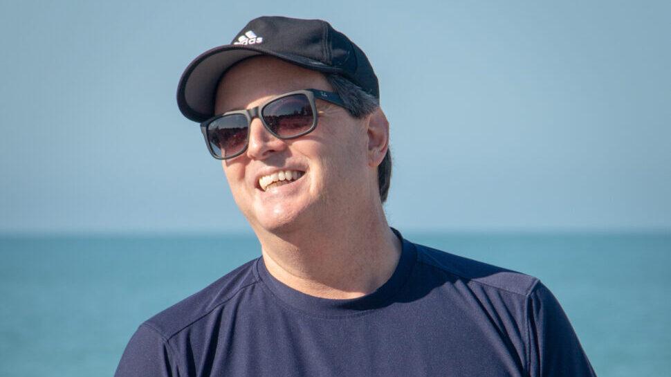 scott rich beach with cap